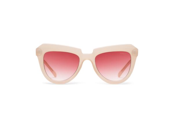 gallery-1459191180-elle-gigi-hadid-kimono-stella-pale-blush-sunglasses.png