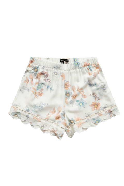 elle fav shorts